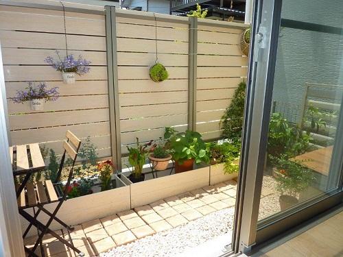プランター付フェンスでお庭をプチ改造