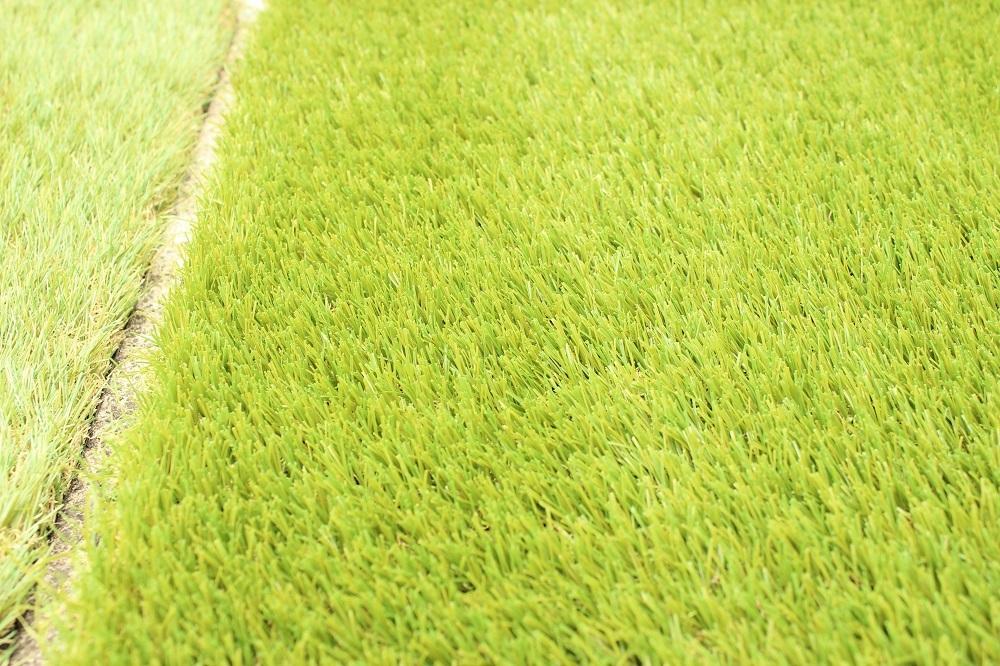 ガーデンライフ彩の人工芝の跡