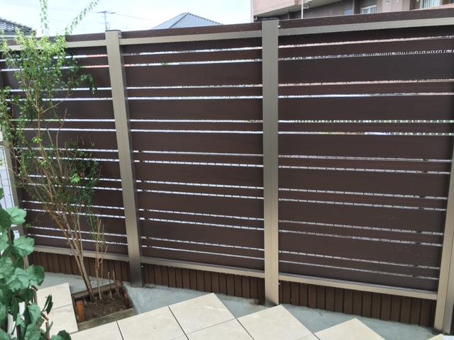 DIYフェンスの裏側の写真